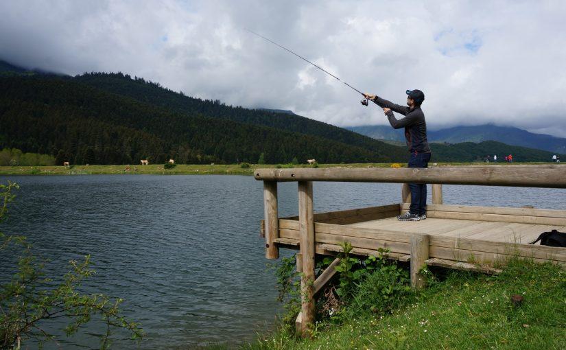 Où faire du nautisme à proximité du lac de Payolle?