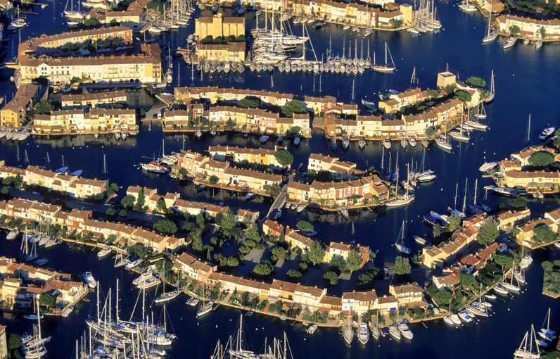 Quel est le prix d'un emplacement dans les ports du Var ?
