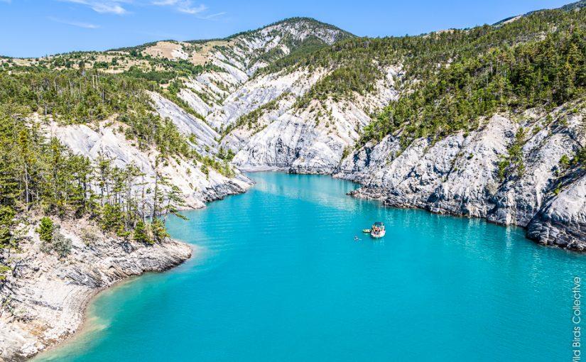 Où louer un bâteau sur le lac de Serre-Ponçon ?