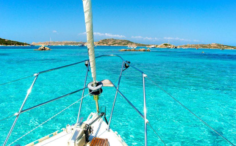 Douche solaire : la solution idéale sur un bateau ?