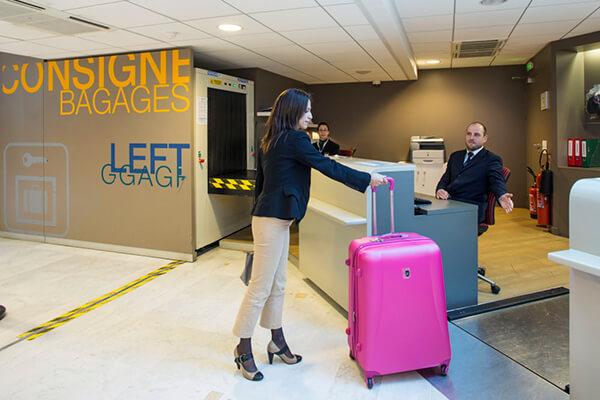 Utiliser un dépose bagages à Paris