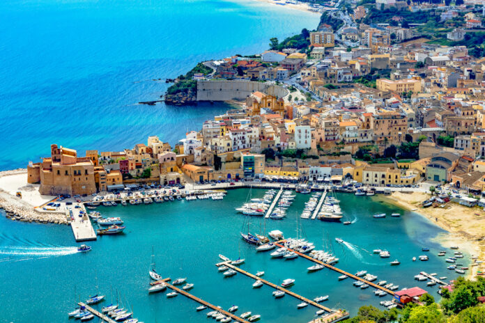 Optez pour les croisière en voilier en Sicile